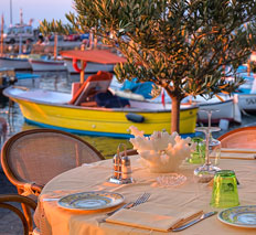 Restaurant by the sea Capri